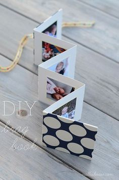 DIY Photo Brag Book- this would also be fun to fill with pictures for a pen pal! - DIY Photo Brag Book- this would also be fun to fill with pictures for a pen pal! Diy Mothers Day Gifts, Mothers Day Cards, Diy Gifts For Grandma, Handmade Gifts For Friends, Handmade Birthday Gifts, Diy Birthday Gifts For Sister, Mother Birthday Presents, Creative Birthday Gifts, Mothers Day Presents