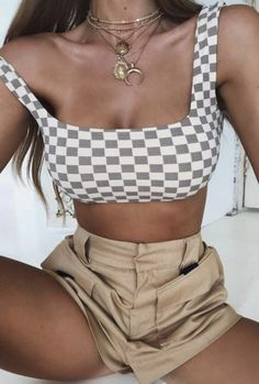 2018 New Women Summer Sexy Checkerboard Plaid Camis Contrast Color Navel Bare Crop Tank Tops Tees Slim Fit Tube Wipes Bosom Vest Streetwear Shorts, Style Streetwear, Looks Style, My Style, Look Girl, Grunge Style, Mode Inspiration, Crop Tops, Tank Tops