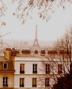 Quem me acompanha pelo blog   sabe que eu sou apaixonado   por Paris, e que sempre   posto fotos desta cidade   espetacular,   separ...