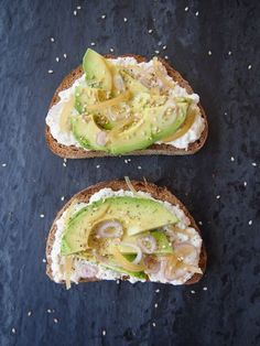 5. Avocado and Ricotta Tartines #highprotein #breakfast #recipes http://greatist.com/eat/high-protein-breakfasts-healthy-recipe-ideas