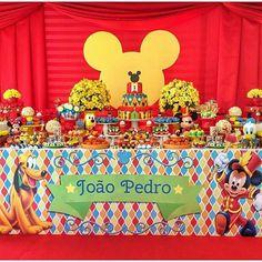 Festa linda no tema Circo do Mickey por @stylesalvador…