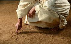 Não me preocupa a inserção de símbolos não cristãos no cristianismo, me preocupa a prática da hipocrisia e intolerância, vigente no mundo, dentro do cristianismo. Cristo é acolhedor, jamais lançou ...