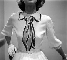 Hermes dress, 1952, via Tavi