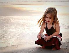O mar, quando bate na areia....