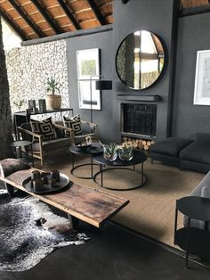 Dark Modern Living Room Luxury Dark Home Ideas with Natural Light Dark Walls Wooden Table Home Living Room, Interior Design Living Room, Living Room Designs, Living Spaces, Dark Walls Living Room, Dark Rooms, Modern Interior, Home Accents, Room Colors