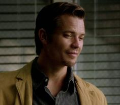 Timothy Olyphant as Raylon Givens/justified