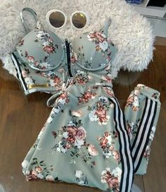 86315ffa24ed CONJUNTO ESTAMPADO COM LISTRAS LATERAIS K SC42ANYLC - Livia Fashion -  Atelier de costura. Fazemos