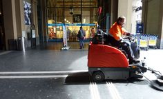 Things Swiss Abroad Miss - Clean Streets, Zürich main station, Switzerland