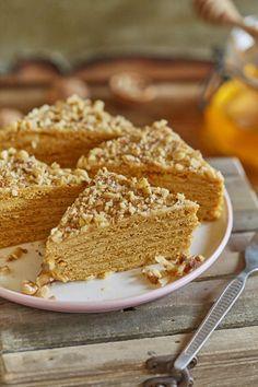 A nagy klasszikus - Marlenka   Street Kitchen Hungarian Desserts, Hungarian Recipes, Sweet Bakery, Salty Snacks, Food Articles, Sweets Recipes, Tray Bakes, Cake Cookies, Fudge