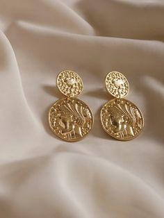 Pear Shaped White Opal Gemstone Kidney Hook Earrings Yellow Gold Earrings Handmade Jewelry For Women's Valentine Day Gift - Custom Jewelry Ideas Tribal Jewelry, Gold Jewelry, Fine Jewelry, Jewellery, Jewelry Design Earrings, Cheap Jewelry, Vintage Earrings, Gold Earrings, Gold Bracelets