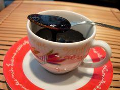 As Receitas da Patanisca: Essência de café -  Este creme concentrado de café tem um sabor muito intenso e pode ser utilizado como essência natural em bolos, iogurtes e gelados.