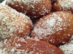 These traditional sticky spicy treats are so yummy! This recipe was one that my grandmother used to make when I was a little girl. Donut Recipes, Baking Recipes, Cake Recipes, Dessert Recipes, Halal Recipes, Healthy Recipes, Oven Recipes, Pudding Recipes, Koeksisters Recipe