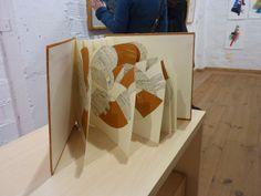 Exposición Páginas y libros de artista en UKAMA http://www.ukama.info/info-eventos_012014.html