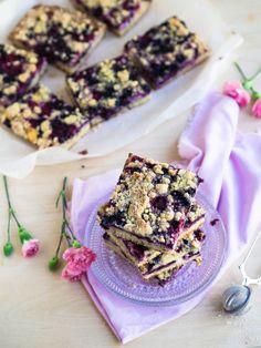 Helppo Juustokakku-Marjapiirakka (pellillinen) Sweet Pie, Pie Recipes, Cereal, Baking, Breakfast, Desserts, Tarts, Food Ideas, Morning Coffee