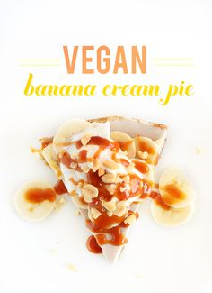 dairy free,with cashews,Raw Vegan Banana Cream Pie! 6 Ingredients, 2 steps, SO delicious Baker Recipes, Cooking Recipes, Pie Recipes, Raw Desserts, Dessert Recipes, Raw Vegan Recipes, Vegan Pie, Vegan Food, Vegan Cheesecake