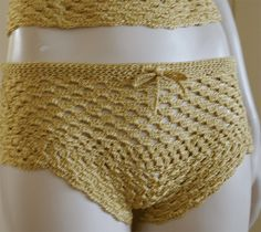 Crochet Top with Shorts - Short Detail