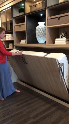Room Design Bedroom, Bedroom Furniture Design, Home Room Design, Home Decor Furniture, Bed Design, Diy Bedroom Decor, Wall Design, Small House Interior Design, Small Room Design