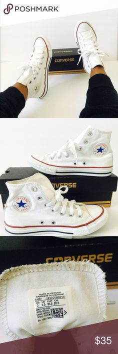 "Kids - Hi top Converse ""White"" Pre owned  Great Condition  Brand: Converse  Size: 2  Color: White   Unisex  Converse box IS INCLUDED!   Same Day 