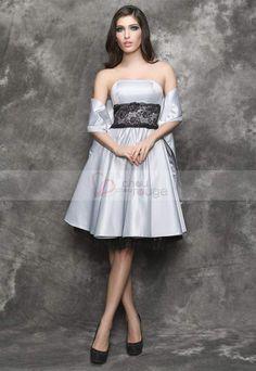 Vente flash chouchourouge    http://www.chouchourouge.com/flash-sales/robe-de-soiree-courte-la-belle-grise.html    Robe de soirée courte bustier en satin argentée soyeux et scintillant de finesse et de beauté qui fera de vous la femme la plus resplendissante de la soirée. Une coupe classique et extrêmes féminine A-line apportera tout le charme d'une tenue merveilleuse à celle qui la portera.