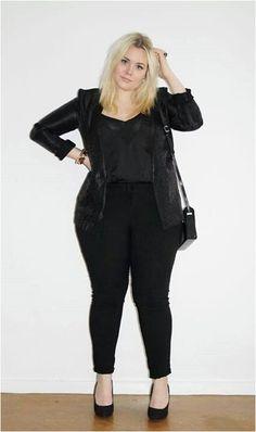 All black outfit. Curvy plus size fashion. Chubby Fashion, Curvy Girl Fashion, Black Women Fashion, Plus Size Fashion, Womens Fashion, Fashion 2015, Fashion Online, Look Plus Size, Plus Size Girls