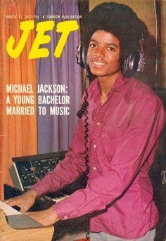 Michael Jackson Young Bachelor Pop Singer Vintage JET Ebony News Magazine 1977 The Jackson Five, Jackson Family, Jackie Jackson, Mike Jackson, Jet Magazine, Black Magazine, Magazine Online, Ebony Magazine Cover, Magazine Covers