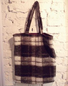 Black and white squared Shopper Bag. Made out of 100% wool. Bordeaux colored cotton lining. For him and her. Made in Germany        $35.00 € EUR