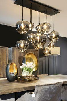 Precious Tips for Outdoor Gardens - Modern Living Room Inspiration, Interior Inspiration, Feng Shui, Dinner Room, Room Lights, Cozy House, Home Living Room, Home Lighting, Home Crafts