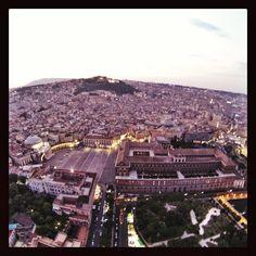 Napoli, piazza del Plebiscito e Palazzo Reale.