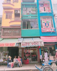 Instagram의 ziin1730님: 알록달록 색감예쁜호치민건물 #호치민#데탐거리#풍경#hochiminh#베트남여행