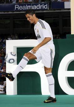buy popular 0e361 7dac1 Cristiano Ronaldo Photos Photos  Official Presentation Of Cristiano Ronaldo  At The Real Madrid Soccer Team
