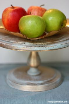 SO easy! Gilded painted cake plate via @beautyandbedlam Ditto DIY: Decorating with Gold