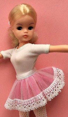 1970s Childhood, Childhood Memories, Vintage Dolls, Retro Vintage, Ballerina Doll, Sindy Doll, Old Toys, Night Outfits, Toys For Girls