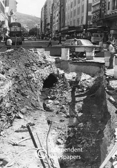 The old Heerengracht stream which flowed through this brickwork watercourse has been re-routed above the underground pedestrian walkway. Archaeology For Kids, Most Beautiful Pictures, Cool Pictures, Archaeological Finds, Brickwork, Prehistory, Ancient Egypt, Cape Town, Acre
