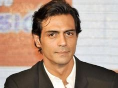 Arjun Rampal Hairstyle, Makeup, Suits, Shoes, and Perfume - http://www.celebhairdo.com/arjun-rampal-hairstyle-makeup-suits-shoes-and-perfume/