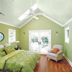 Throw up a beadboard ceiling for a little #cottage charm in the #bedroom. | Photo: Susan Seubert | thisoldhouse.com