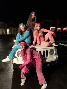 50 Bold And Cute Group Halloween Costumes For Cheerful Girls Halloween 2018, Girl Group Halloween Costumes, Halloween Inspo, Cute Halloween Costumes, Couple Halloween, Halloween Season, Halloween College, Disneyland Halloween Costumes, Creative College Halloween Costumes