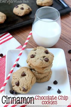 These Cinnamon Chocolate Chip Cookies have the perfect chewy center, with the right amount of chocolate chips, and a hint of cinnamon. | EverydayMadeFresh.com http://www.everydaymadefresh.com/cinnamon-chocolate-chip-cookies/