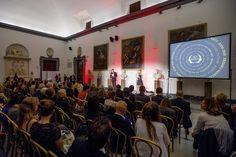 """""""Premio Margutta – La Via delle Arti"""" svoltasi a Roma nella Sala della Protomoteca del Campidoglio. Anche quest'anno il premio è stato conferito a protagonisti del mondo della cultura, dell'informazione e dello spettacolo che hanno saputo esprimersi al meglio nel proprio campo. Per la sezione moda, il riconoscimento è andato a Ugo Lo Conte Sails Director della Maison Sarli, che ha annunciato un nuovo piano strategico e l'apertura di una nuova boutique nel centro di Roma. #ugoloconte #loconte"""