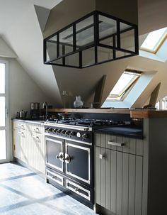 20 inspirations pour une cuisine noire et blanche hotte pinterest inspiration. Black Bedroom Furniture Sets. Home Design Ideas