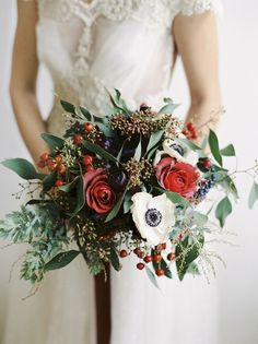 Christmas wedding inspiration | Red and gold wedding | 100 Layer Cake Anemone wedding bridal bouquet