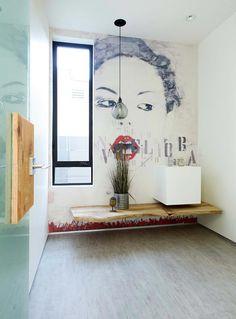 Idées de décoration pour des toilettes créatives avec des touches artistiques