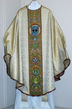 Roman Catholic, Fabric Art, Kimono Top, Dressing, Gothic, How To Wear, Clothes, Tops, Women