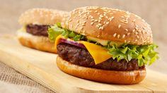 Rezept: Klassischer Cheeseburger vom Grill