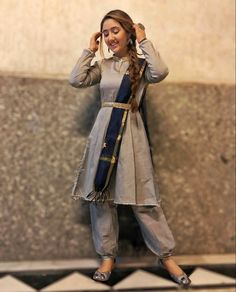 Celebrity Outfits, Teen Fashion Outfits, Girl Outfits, Cotton Saree Blouse Designs, Girls Dresses Sewing, Fancy Kurti, Teen Actresses, Cute Girl Poses, Stylish Girl Pic