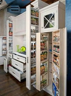 42 Amazing Smart Kitchen Organization Ideas For Small Apartment - Home Decor Kitchen Cupboard Storage, Small Kitchen Organization, Small Kitchen Storage, Kitchen Storage Solutions, Pantry Storage, Kitchen Cupboards, Organized Kitchen, Pantry Diy, Kitchen Pantry