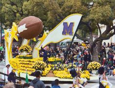 1977 Rose Bowl Parade - Donny and Marie float!!!