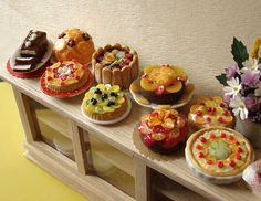 More beautiful amazing miniatures... they look good enough to eat!