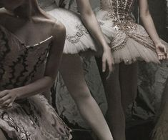 Image discovered by Beka. Find images and videos about dress, dance and ballet on We Heart It - the app to get lost in what you love. Dance Photos, Dance Pictures, Aesthetic Photo, Aesthetic Pictures, Autumn Aesthetic, Bild Gold, Princess Aesthetic, Ballet Photography, Svetlana Zakharova