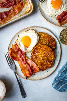 Boxty potato pancakes are a traditional Irish recipe and they come with a great little rhyme that we were taught growing up: 'Boxty on the griddle, boxty on the Breakfast Pictures, Irish Recipes, Pub Recipes, Irish Breakfast, Irish Potatoes, Raw Potato, Cabbage And Bacon, Pub Food, Potato Pancakes