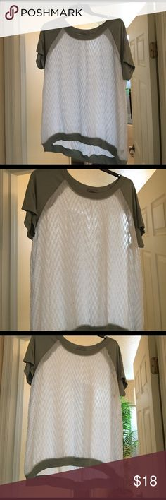 VERY CUTE CASUAL TOP (see thru) Great Condition Olivia Moon Tops Tees - Short Sleeve
